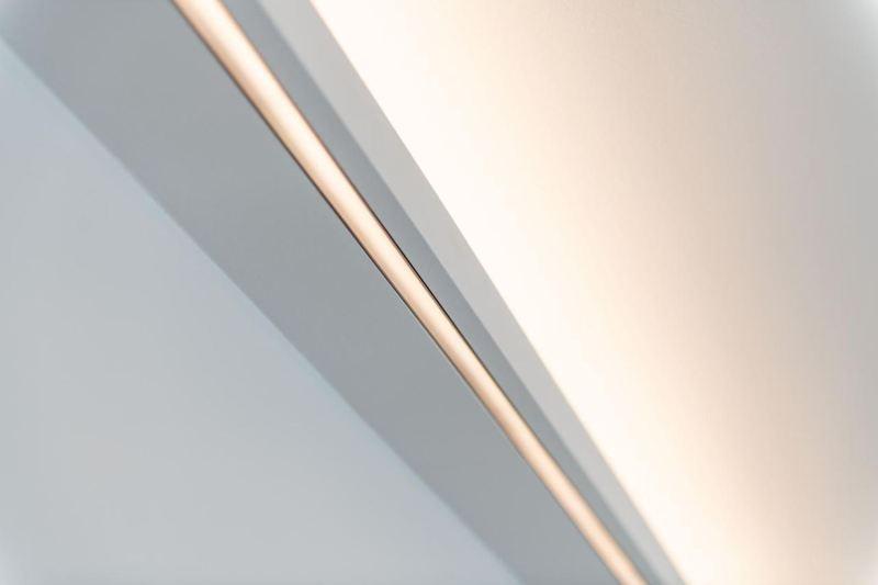 LED_Lichtband_Wohnzimmerumbau_Haussanierung_Vierzueins_Design