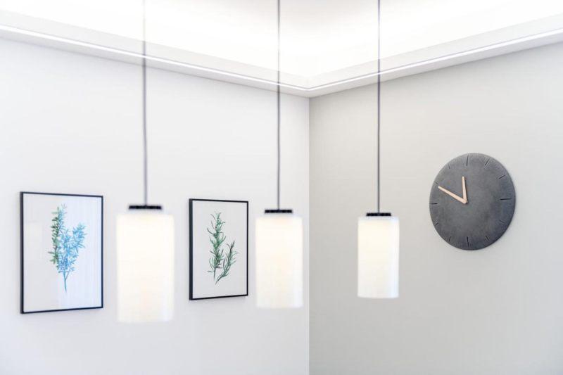 Lampe_Esstisch_Wohnzimmerumbau_Haussanierung_Vierzueins_Design