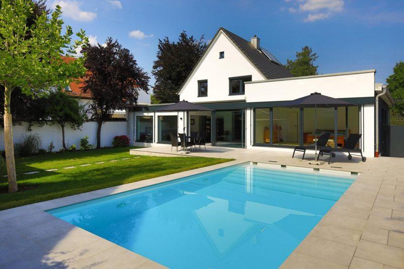 Pool_Wohnhaussanierung_Vierzueins_Design